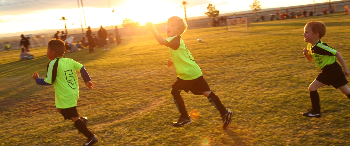5 Reasons Why Your Child Should Be Playing Sports